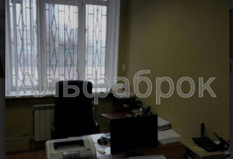 Продам офис в многоквартирном доме Киев, Здолбуновская ул.