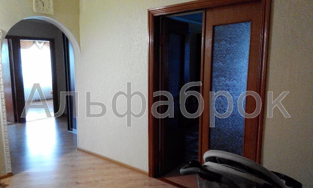 Продам квартиру Киев, Азербайджанская ул. 5