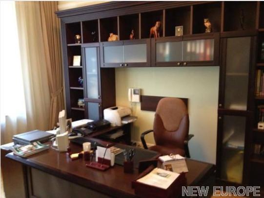 Продам офис в многоквартирном доме Киев, Шелковичная ул.