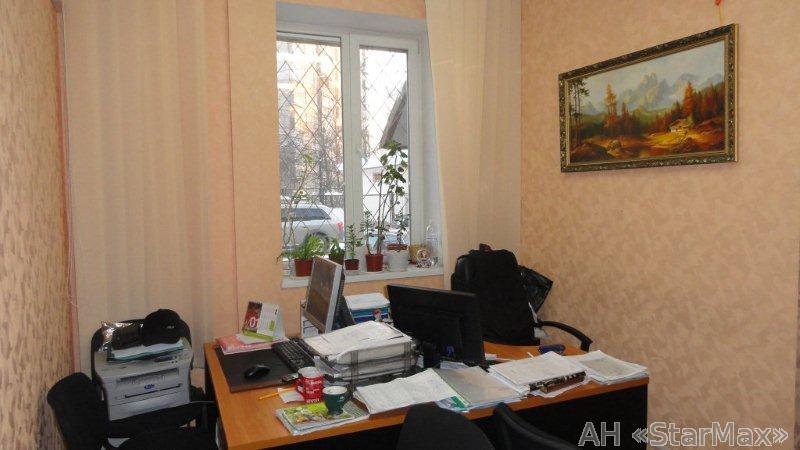 Продам торговое помещение Киев, Демеевская ул. 5