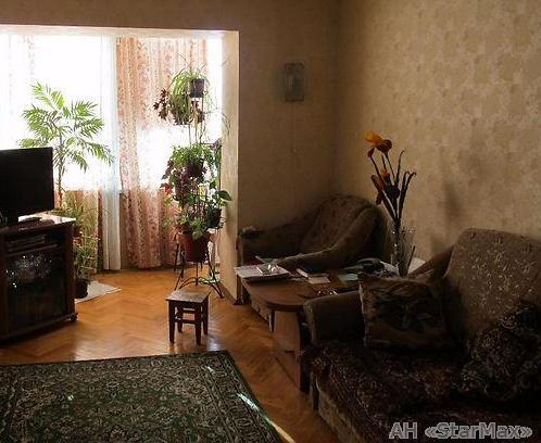 Продам квартиру Киев, Тарасовская ул. 2