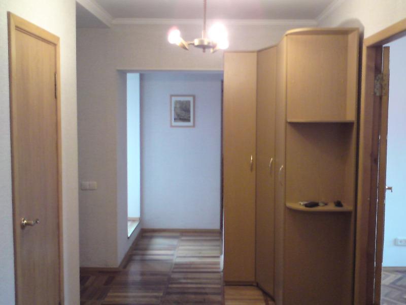 Сдам офис в многоквартирном доме Киев, Малевича Казимира ул.