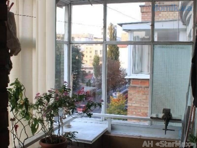 Продам квартиру Киев, Еленовская ул. 4