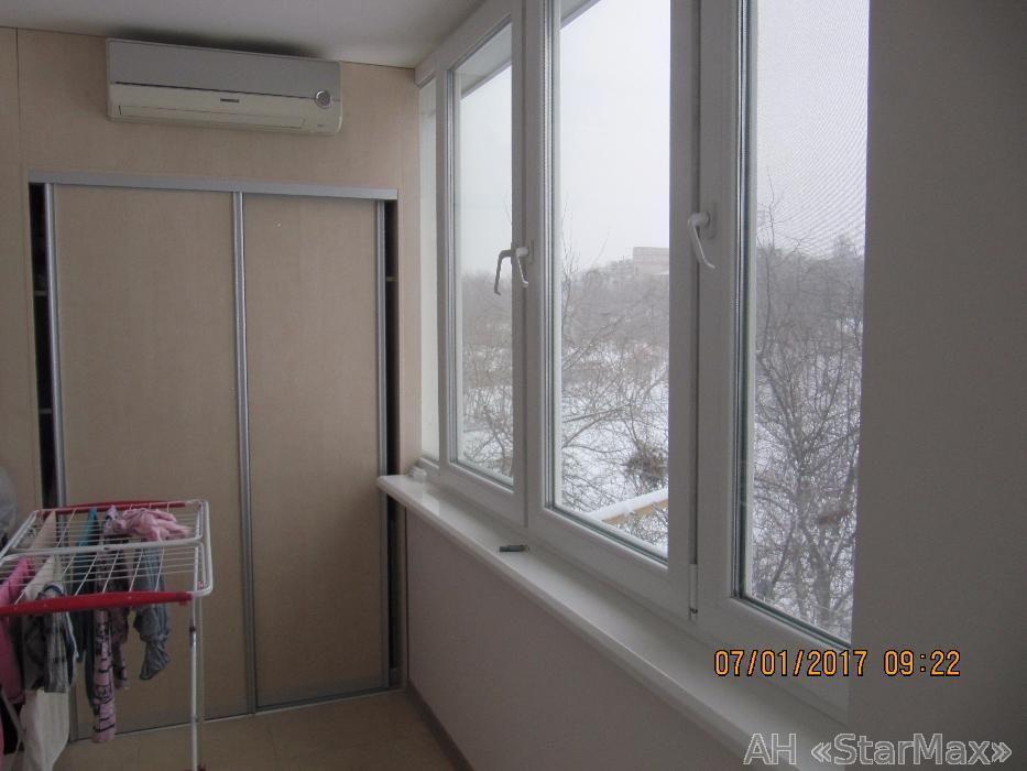 Продам квартиру Киев, Курская ул. 2
