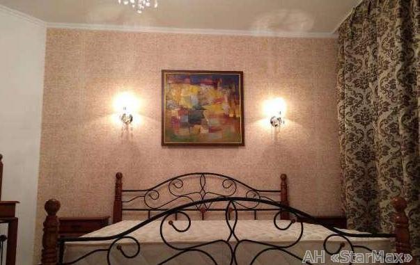 Продам квартиру Киев, Жукова Маршала ул. 5