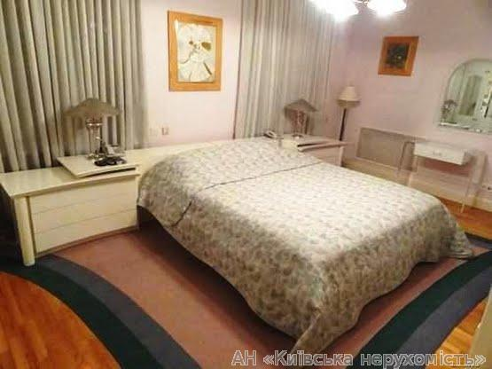 Фото 3 - Продам апартаменты Киев, Шелковичная ул.