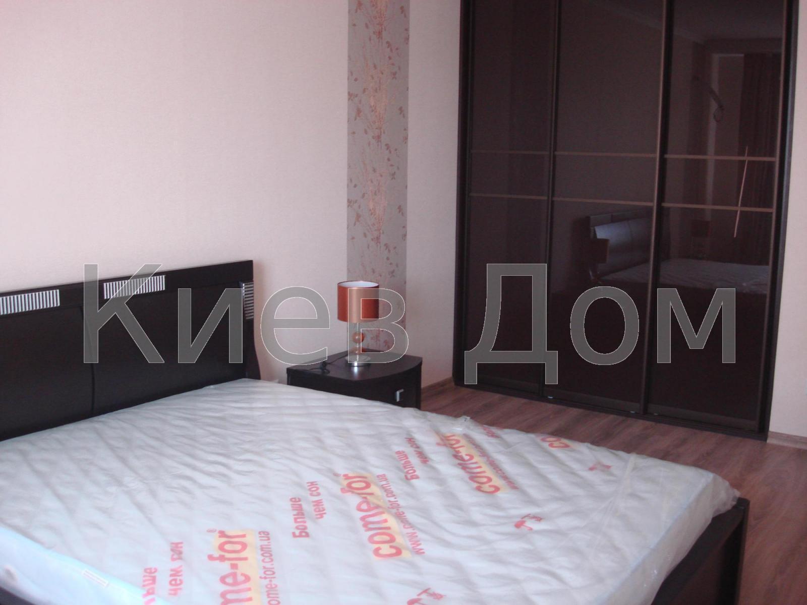 Сдам квартиру Киев, Комбинатная ул.