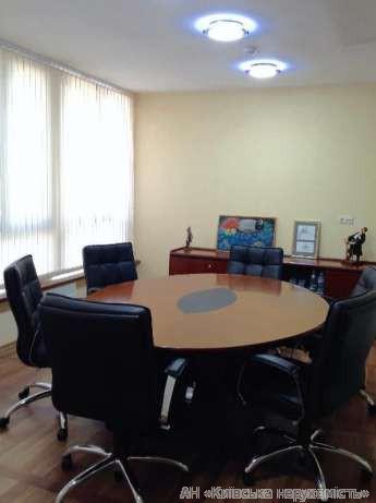 Фото - Продам офисное помещение Киев, Лютеранская ул.