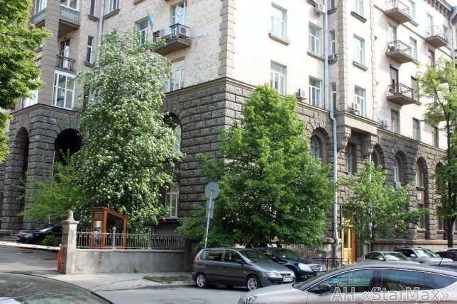 Продам торговое помещение Киев, Банковая ул.