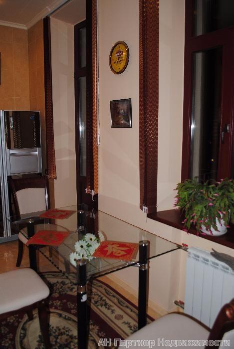 Фото 2 - Продам квартиру Киев, Банковая ул.