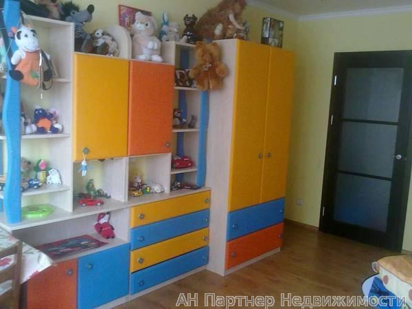 Продам квартиру Киев, Срибнокильская ул. 5