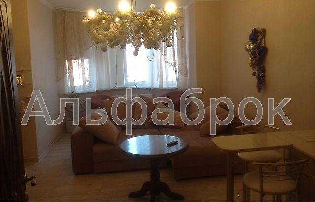 Продам квартиру Киев, Градинская ул. 4