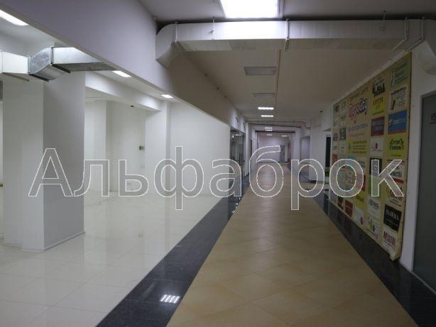 Продам торговое помещение Киев, Харьковское шоссе