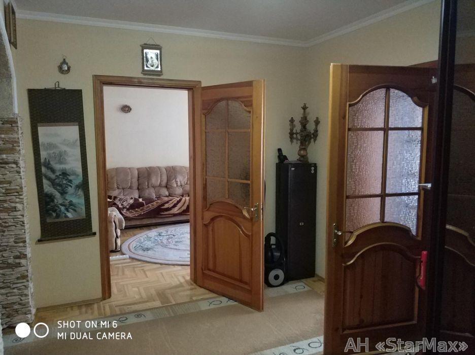 Продам квартиру Киев, Хорольская ул. 3