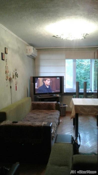 Продам квартиру Киев, Почайнинская ул. 2