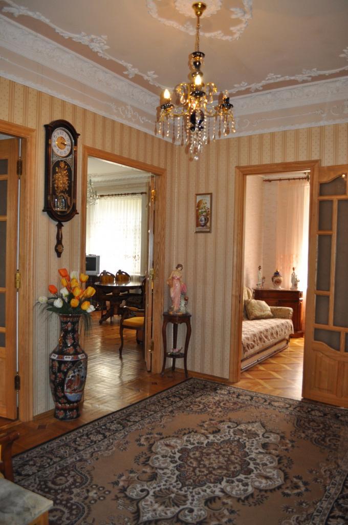 Продам квартиру Киев, Грушевского Михаила ул. 3