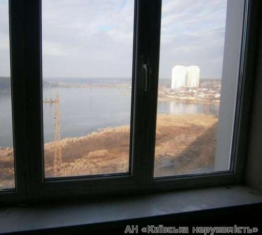 Фото 3 - Продам квартиру Киев, Ушакова Николая ул.