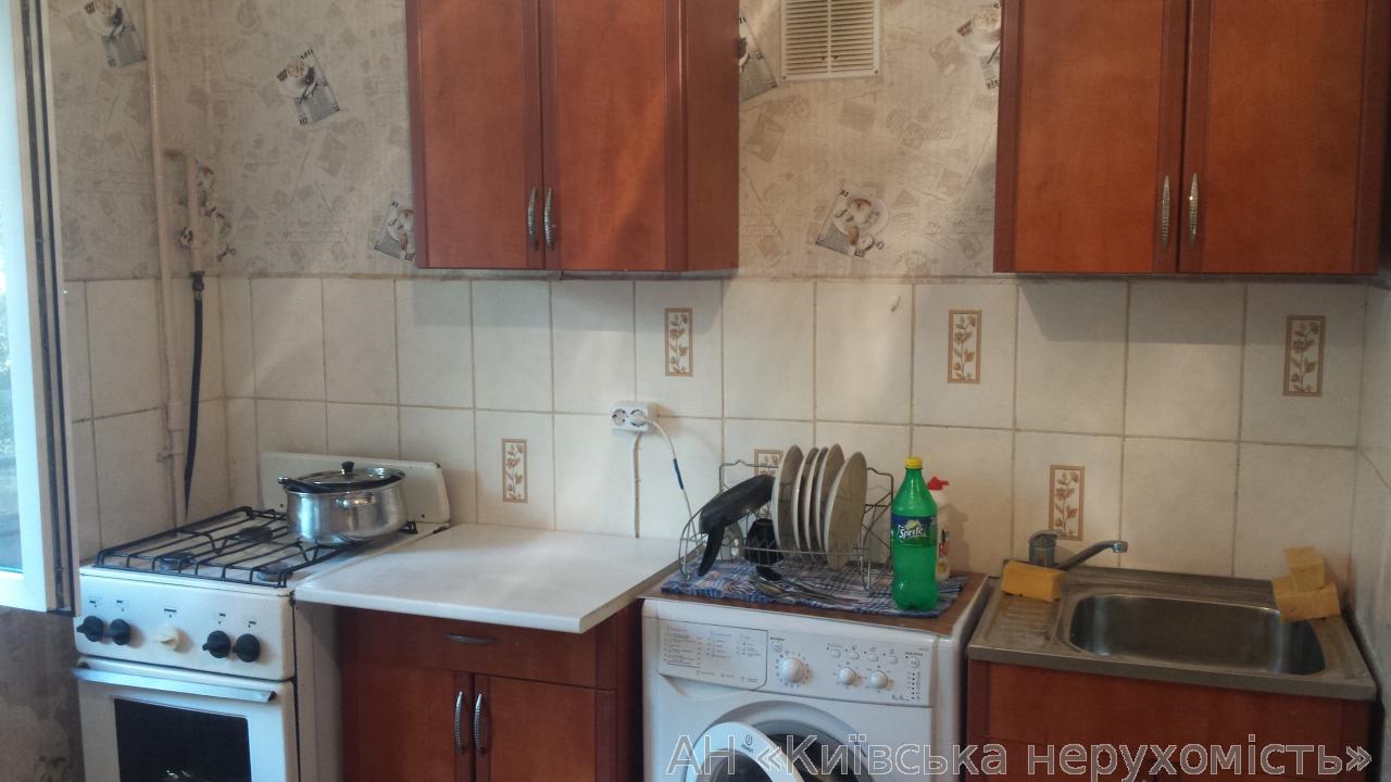 Фото 5 - Продам квартиру Киев, Наумова Генерала ул.