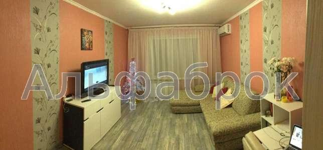 Продам квартиру Киев, Хорольская ул.