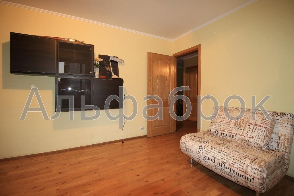 Продам квартиру Киев, Речная ул. 3