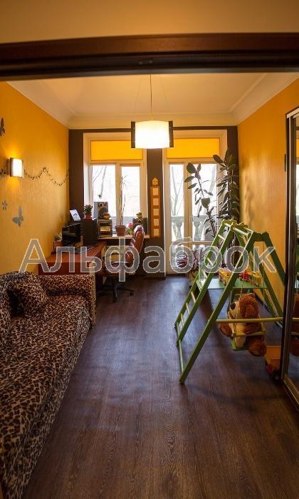 Продам квартиру Киев, Метростроевская ул.
