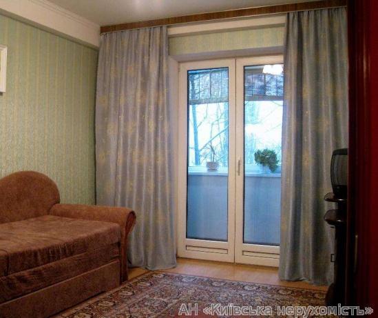 Продам квартиру Киев, Борщаговская ул. 3