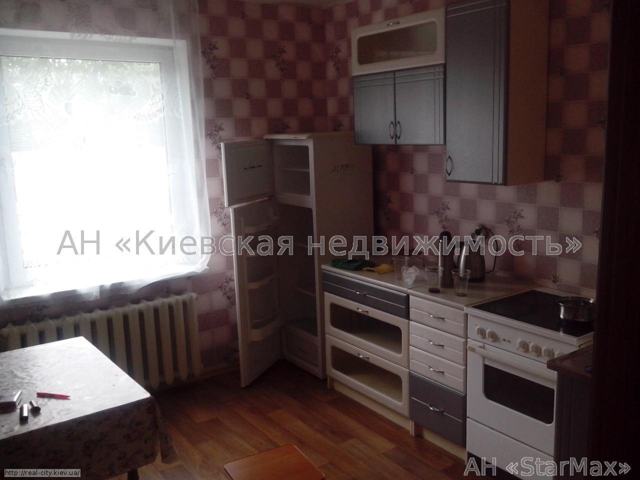 Продам квартиру Киев, Белицкая ул. 2