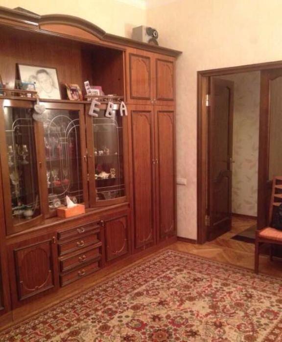 Продам квартиру Киев, Новополевая ул. 2