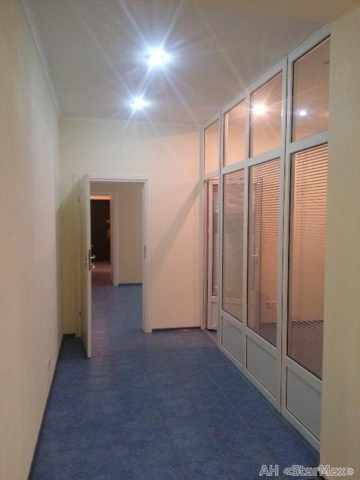 Продам офисное помещение Киев, Ризницкого ул. 3