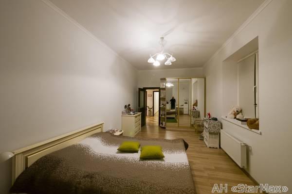 Фото 2 - Продам квартиру Киев, Патриотов ул.