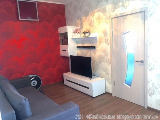 Фото 2 - Продам квартиру Киев, Радунская ул.