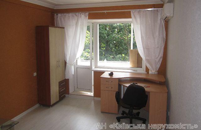 Продам квартиру Киев, Братиславская ул. 2
