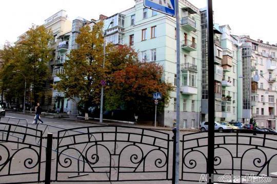Продам квартиру Киев, Лютеранская ул. 3