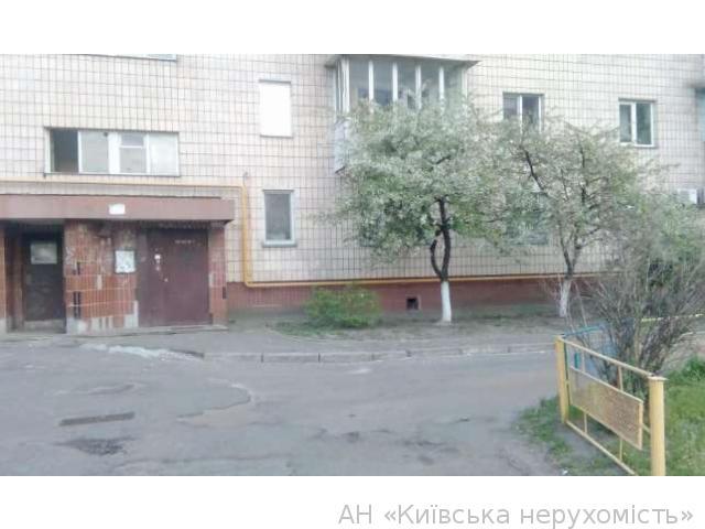 Фото - Продам квартиру Киев, Тростянецкая ул.