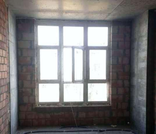 Продам квартиру несданный новострой Киев, Лейпцигская ул.