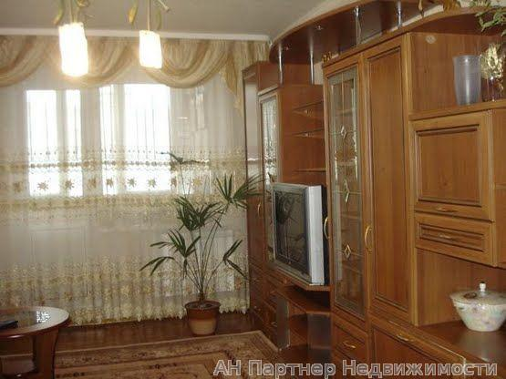 Продам квартиру Киев, Радужная ул. 3