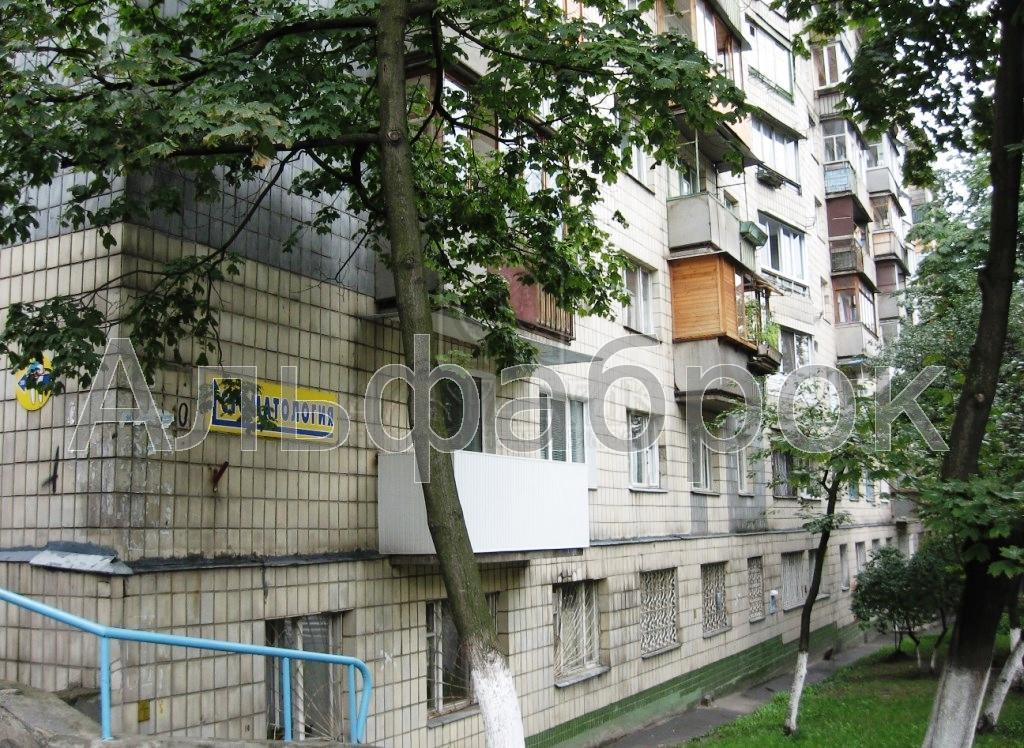 Продам офис в многоквартирном доме Киев, Василевской Ванды ул.
