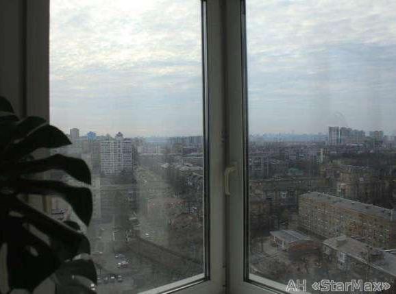 Фото 2 - Продам квартиру Киев, Российская ул.