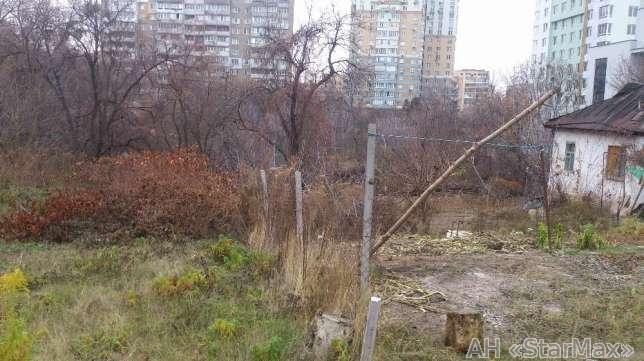 Продам участок под застройку жилой недвижимости Киев, Крымская ул. 4