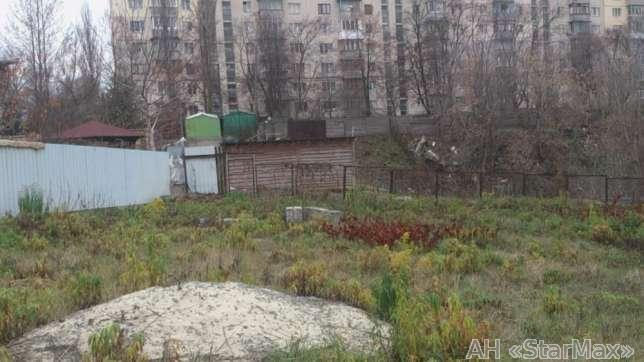 Продам участок под застройку жилой недвижимости Киев, Крымская ул. 2