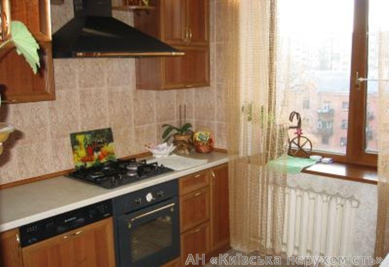 Продам квартиру Киев, Василевской Ванды ул. 5