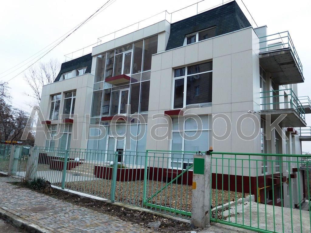 Продам офисное здание Киев, Менделеева ул. 3