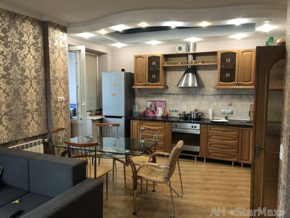Продам квартиру Киев, Никольско-Слободская ул. 3