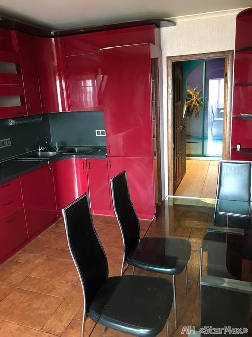 Продам квартиру Киев, Ялтинская ул. 5