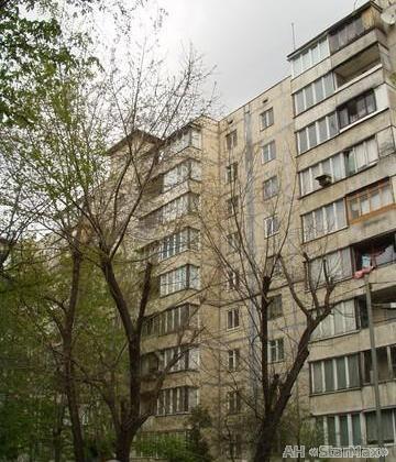 Продам квартиру Киев, Новогоспитальная ул. 2