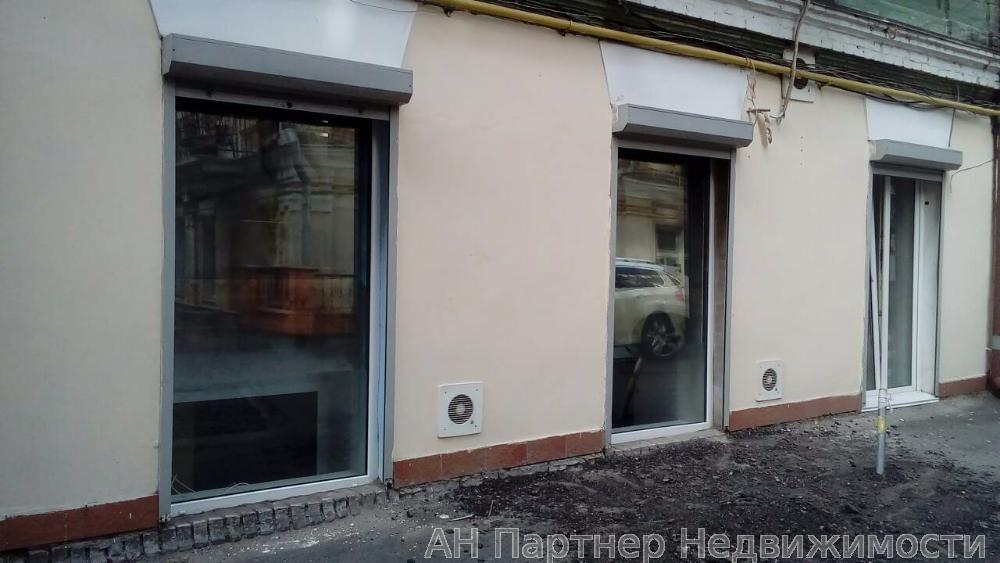 Фото - Продам офисное помещение Киев, Михайловская ул.