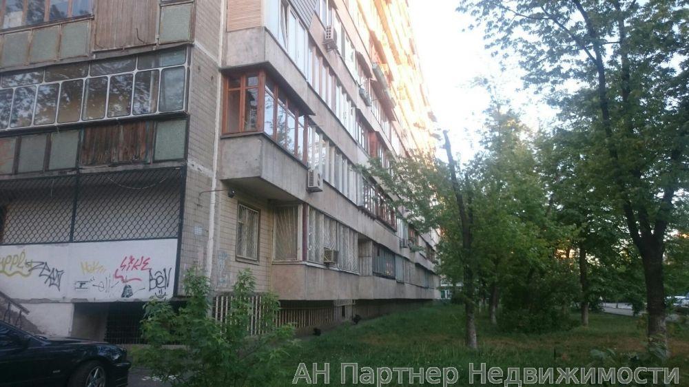 Сдам офисное помещение Киев, Труда бул.