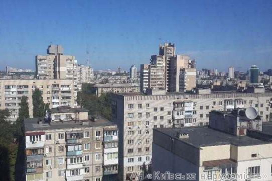 Продам квартиру Киев, Богдановская ул. 2