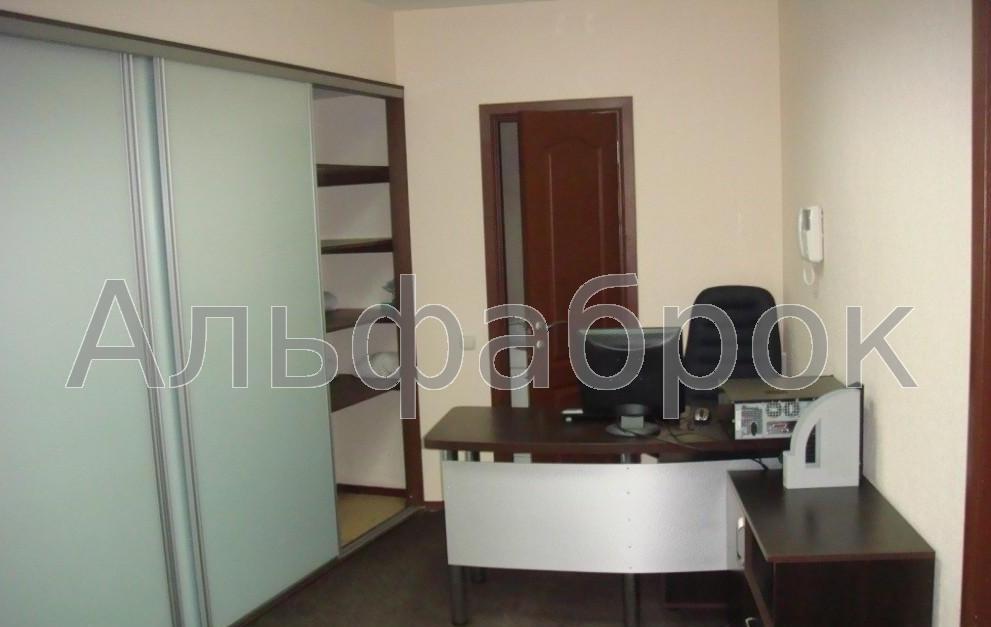 Продам офис в многоквартирном доме Киев, Дарвина ул.