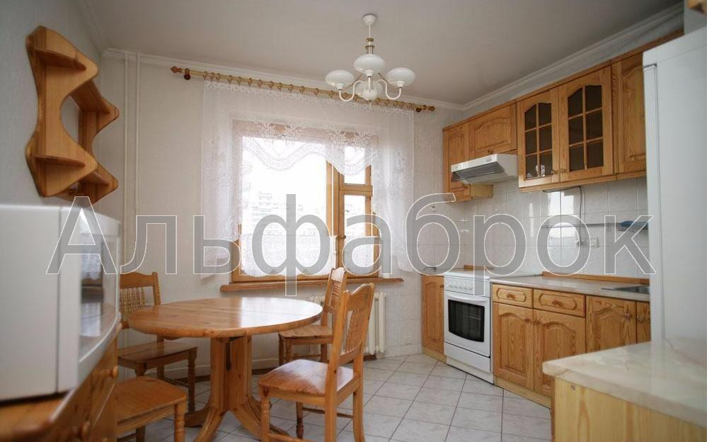 Продам квартиру Киев, Перова бул. 5